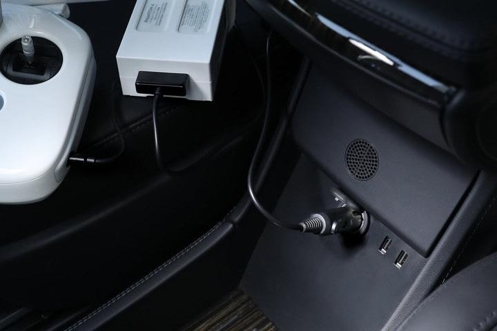 Автомобильное зарядное устройство для Phantom 4 — Car Charger-3